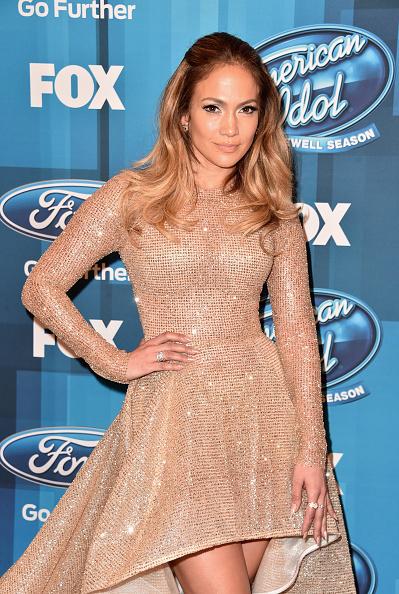 ジェニファー・ロペス「FOX's 'American Idol' Finale For The Farewell Season - Arrivals」:写真・画像(12)[壁紙.com]