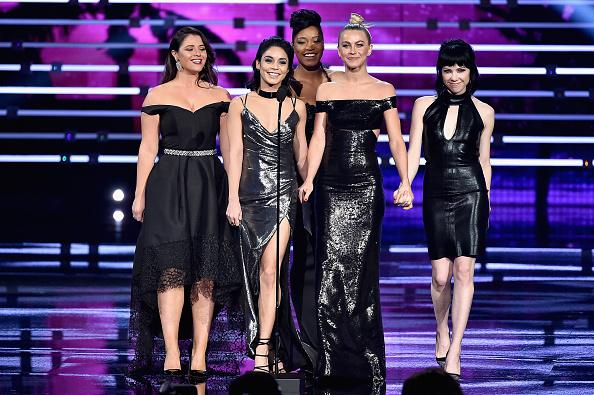 ヴァネッサ・ハジェンズ「People's Choice Awards 2016 - Show」:写真・画像(19)[壁紙.com]