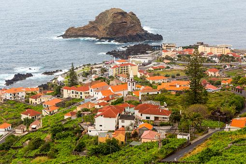 Porto Moniz「Porto Moniz village and Ilheu Mole」:スマホ壁紙(9)