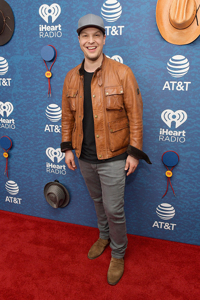 Fully Unbuttoned「2018 iHeartCountry Festival By AT&T - Red Carpet」:写真・画像(1)[壁紙.com]