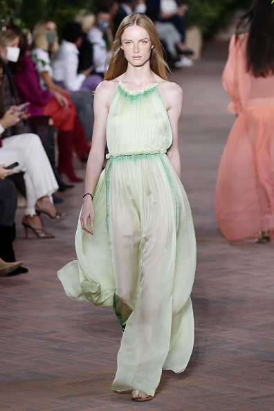 Spring Summer Collection「Alberta Ferretti - Runway - Milan Fashion Week Spring/Summer 2021」:写真・画像(15)[壁紙.com]