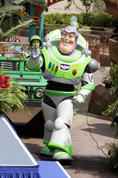 Disney「Disneyland 50th Anniversary Celebration」:写真・画像(1)[壁紙.com]