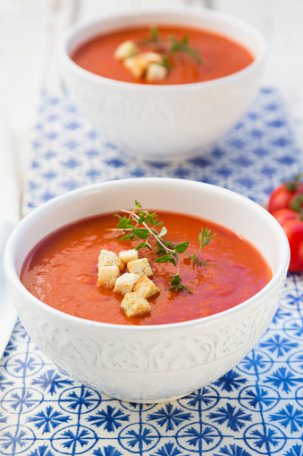 Thyme「Tomato soup with croutons and thyme」:スマホ壁紙(4)
