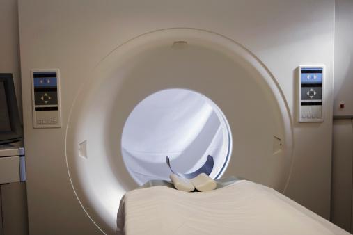 MRI Scanner「MRI machine in hospital」:スマホ壁紙(7)