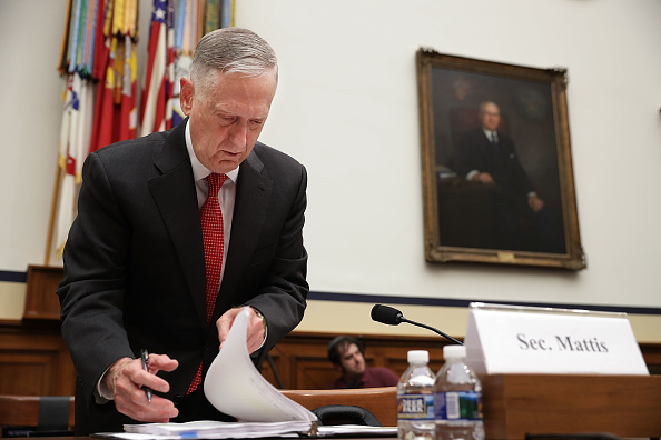 USA「DOD Secretary Mattis And Chairman Of Joint Chiefs Dunford Testify On Budget」:写真・画像(14)[壁紙.com]