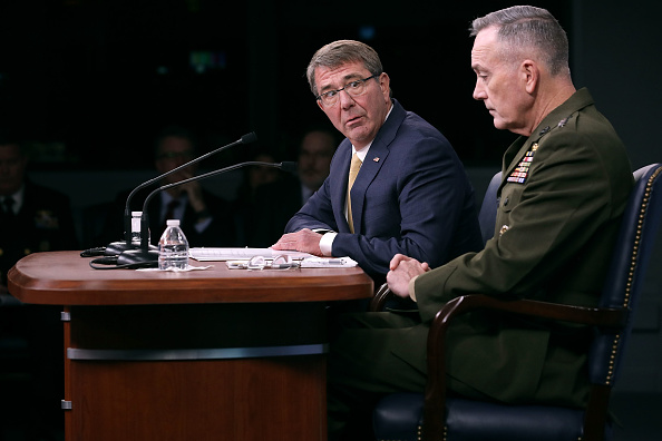 Virginia - US State「Defense Secretary Carter And Joint Chiefs Chairman Dunford Brief Media」:写真・画像(5)[壁紙.com]