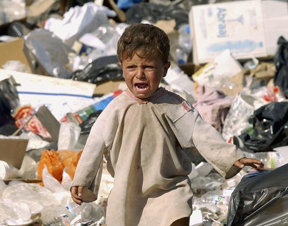 Selective Focus「Iraqi Families Call Baghdad Garbage Dump Home」:写真・画像(11)[壁紙.com]