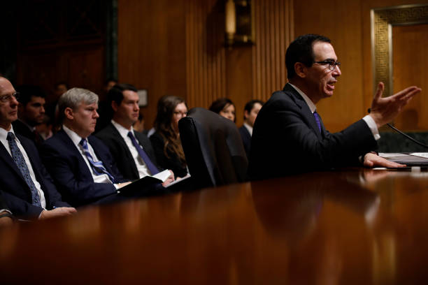 Aaron P「Treasury Secretary Steven Mnuchin Testifies To Senate Finance Committee On Dept's Budget」:写真・画像(12)[壁紙.com]