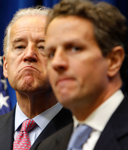 Middle Class「VP Biden Holds Recovery Act Event With Geithner And IRS Head Shulman」:写真・画像(5)[壁紙.com]