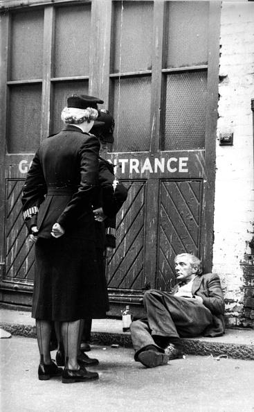 女「Street Patrol」:写真・画像(15)[壁紙.com]