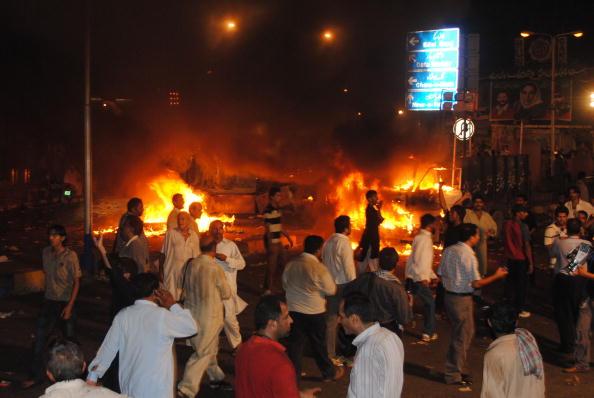 Exploding「Three Bomb Blasts Kill 28 In Pakistan」:写真・画像(6)[壁紙.com]