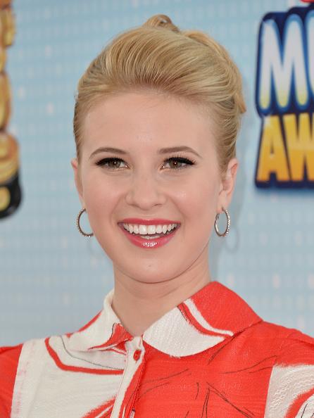 Collar「2013 Radio Disney Music Awards - Arrivals」:写真・画像(19)[壁紙.com]