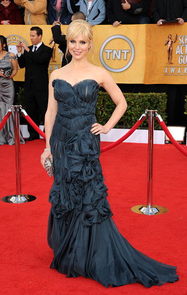 Strapless Dress「17th Annual Screen Actors Guild Awards - Arrivals」:写真・画像(9)[壁紙.com]