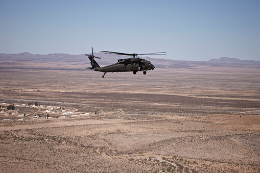 Propeller「UH-60 Black Hawk en route to New Mexico durin Exercise Angel Thunder.」:スマホ壁紙(1)