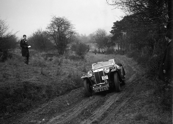 Dirt Road「MG Magna of KC Delingpole at the Sunbac Colmore Trial, near Winchcombe, Gloucestershire, 1934」:写真・画像(9)[壁紙.com]