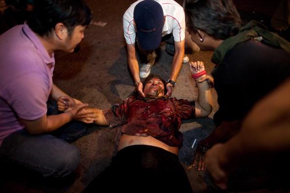 Reclining「A Series Of Explosions Rock Bangkok」:写真・画像(17)[壁紙.com]