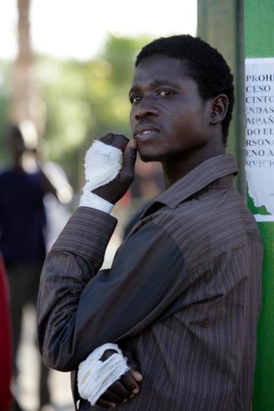 Marco Di Lauro「African Migrants Seek Refuge In Temporary Shelter」:写真・画像(13)[壁紙.com]