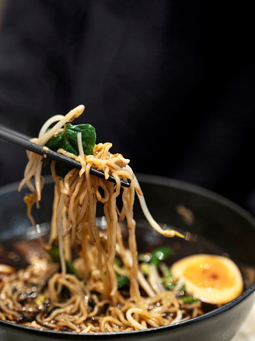 Soy Sauce「Udon Noodle Soup with Egg, Ramen Noodles, Beef and Udon Noodle Stir Fry, noodles ,Chopsticks noodles」:スマホ壁紙(5)
