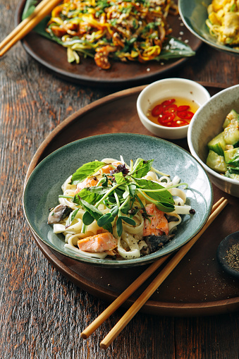 Stir-Fried「Udon noodle with salmon」:スマホ壁紙(0)