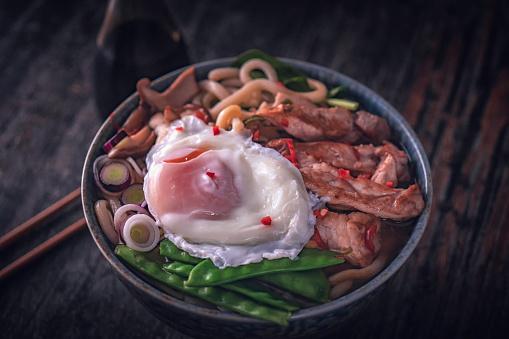 Japan「卵入りのうどんスープ」:スマホ壁紙(13)