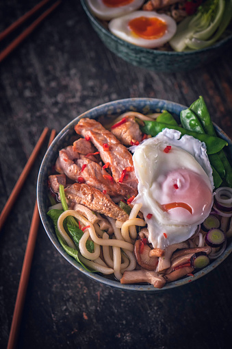 Japan「卵入りのうどんスープ」:スマホ壁紙(18)