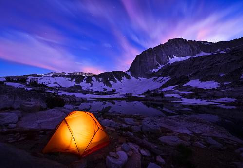 Extreme Terrain「Illuminated yellow tent on snowy mountains range at night」:スマホ壁紙(0)