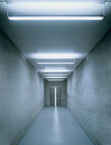 Side By Side「Illuminated corridor」:スマホ壁紙(17)
