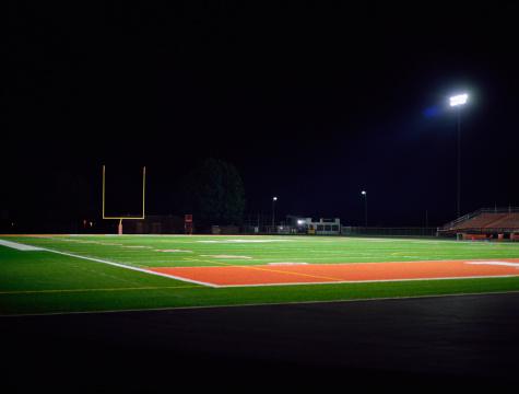 Stadium「Illuminated American football field at night」:スマホ壁紙(0)