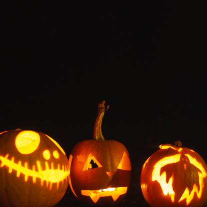 ハロウィン おばけ「Illuminated hand carved pumpkins」:スマホ壁紙(15)