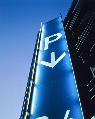 Parking Lot「Illuminated multi-storey car park at the Airport Stuttgart, Germany」:スマホ壁紙(3)