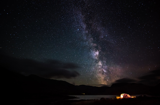 Night「Illuminated tent below night sky, Kerry, Ireland」:スマホ壁紙(12)