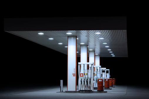 Oil Industry「Illuminated petrol station, night」:スマホ壁紙(8)