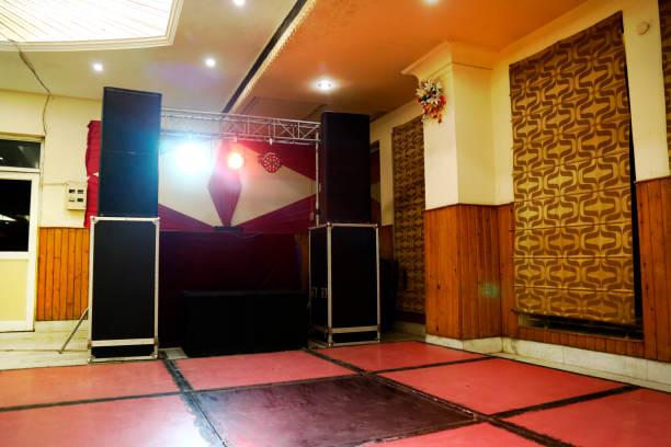 Illuminated disoco DJ dance floor:スマホ壁紙(壁紙.com)