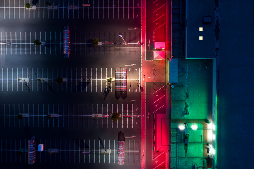 Dividing Line - Road Marking「Illuminated large parking area at night - aerial view」:スマホ壁紙(16)