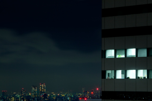 Continuity「Illuminated offices, cityspace in background」:スマホ壁紙(14)