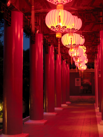 Chinese Lantern「Illuminated chinese lanterns, Chinese Gardens, Singapore」:スマホ壁紙(12)