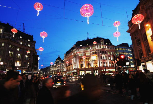 Chinese Lantern「Chinese Football Team Celebrate Chinese New Year In London」:写真・画像(11)[壁紙.com]