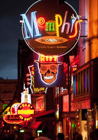 Tennessee「Illuminated bar signs on Beale Street in Memphis」:スマホ壁紙(8)