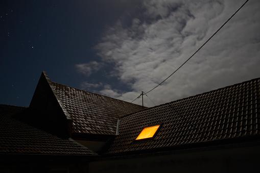 Rooftop「Illuminated roof window at night」:スマホ壁紙(8)