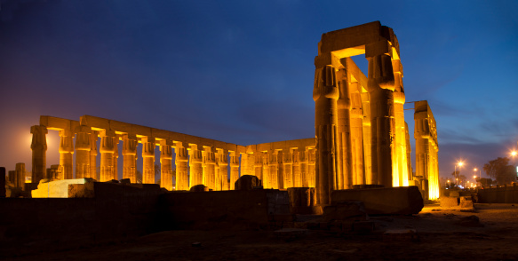 Praying「Luxor Temple and blue hours」:スマホ壁紙(12)