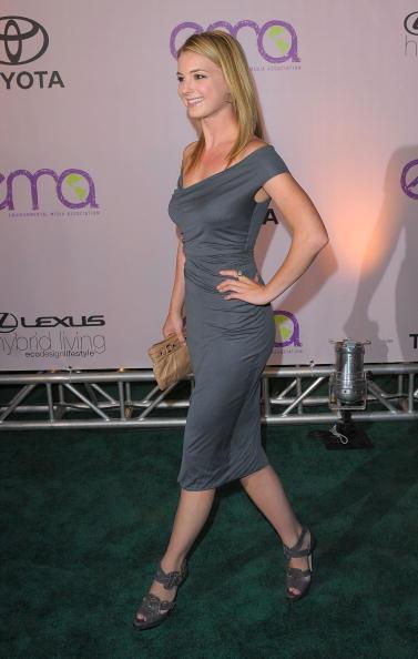 Emily VanCamp「2009 Environmental Media Awards - Arrivals」:写真・画像(13)[壁紙.com]