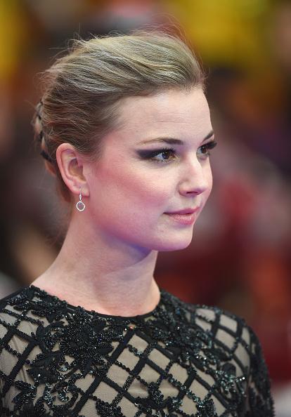"Emily VanCamp「""Captain America: Civil War"" - UK Film Premiere - Arrivals」:写真・画像(3)[壁紙.com]"
