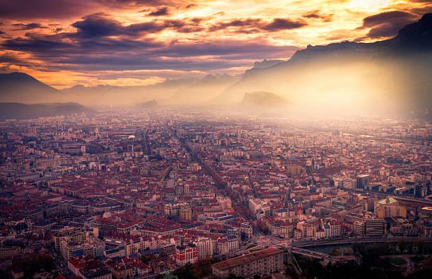 Grenoble cityscape:スマホ壁紙(壁紙.com)