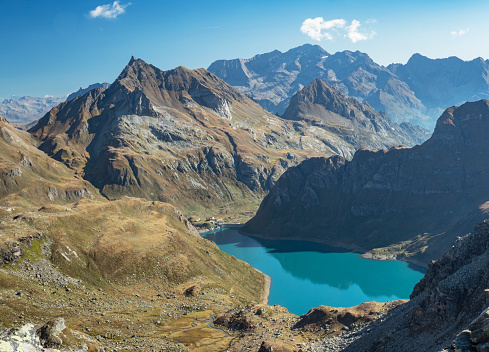 Piedmont - Italy「Alpine lake surrounded by mountains」:スマホ壁紙(15)