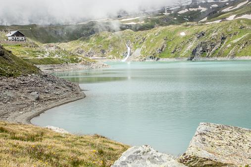 Pennine Alps「Alpine Lake on the Matterhorn/ Mt. Cervinia」:スマホ壁紙(16)