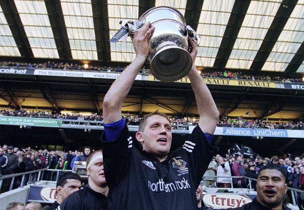 Twickenham「Doddie Weir Newcastle Falcons Tetley's Bitter Cup Final Victory 2001」:写真・画像(14)[壁紙.com]