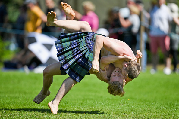 トピックス「World's Best Caber Tossers Gather For The Inverary Highland Games」:写真・画像(9)[壁紙.com]