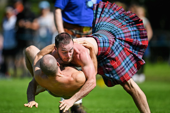 トピックス「World's Best Caber Tossers Gather For The Inverary Highland Games」:写真・画像(10)[壁紙.com]