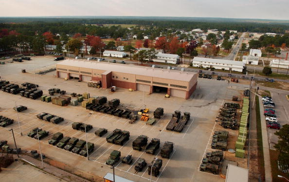 Military Base「Troops At Fort Bragg Train For Possible Conflict With Iraq」:写真・画像(17)[壁紙.com]