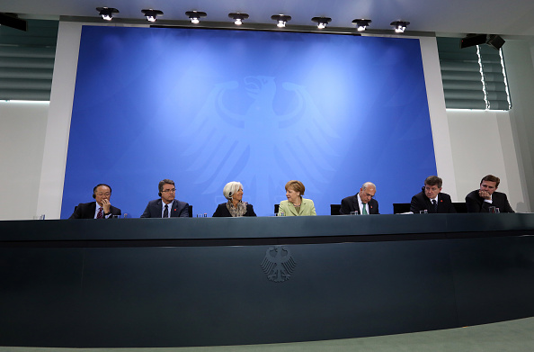 Corporate Business「Merkel Meets With World Finance, Economic And Labor Leaders」:写真・画像(8)[壁紙.com]